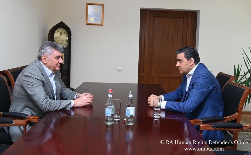 Ара Абрамян и Арман Татоян обсудили вопросы защиты прав граждан Армении в России