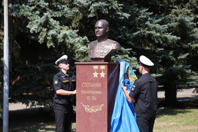 К юбилею морской авиации на Кубани открыли «Аллею Российской Славы»